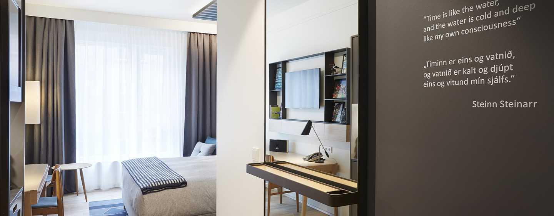 Canopy by Hilton Reykjavik City Centre, Island– Canopy Zimmer mit King-Size-Bett