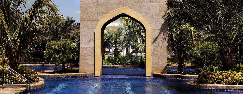 Conrad Dubai Hotel, VAE– Außenpool des Conrad Dubai