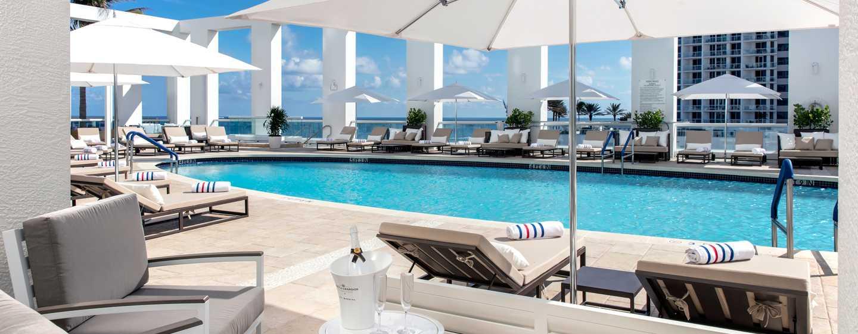 Conrad Fort Lauderdale Beach, USA– Poolblick