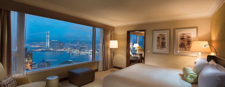 Conrad Hong Kong, China – Suite mit Blick auf den Hafen