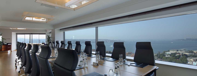 Conrad Istanbul Hotel, Türkei – Meetingraum mit Blick auf Bosphorus