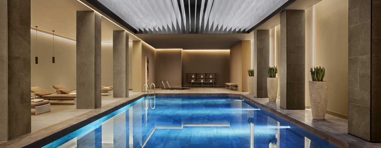 Conrad Istanbul Hotel, Türkei – Innenpool