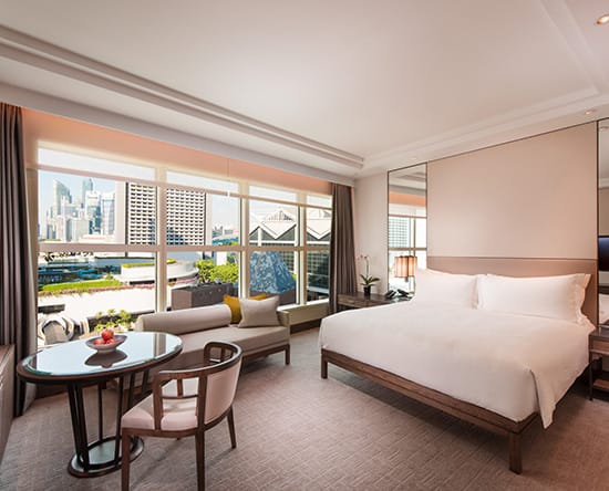Conrad Centennial Singapore Hotel, Singapur – Grand Deluxe Zimmer