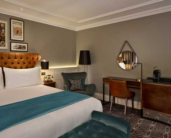 100 Queen's Gate Hotel London, Curio Collection by Hilton – Suite mit einem Schlafzimmer und Kingsize-Bett