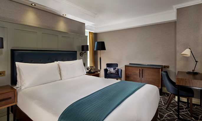 100 Queen's Gate Hotel London, Curio Collection by Hilton – Zimmer