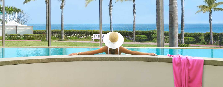 Beach Village at The Del, Curio Collection by Hilton Hotel, Kalifornien, USA– Spa-Terrasse mit Vanishing Edge Pool