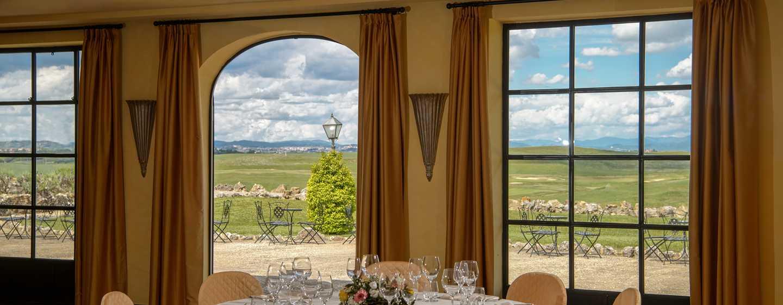 La Bagnaia Golf &Spa Resort Siena, Curio Collection by Hilton, Italien– Bankettsaal Marmont