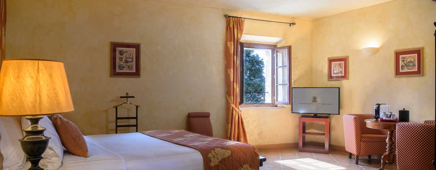 La Bagnaia Golf & Spa Resort Siena, Curio Collection by Hilton Hotel, Italien – Deluxe Zimmer