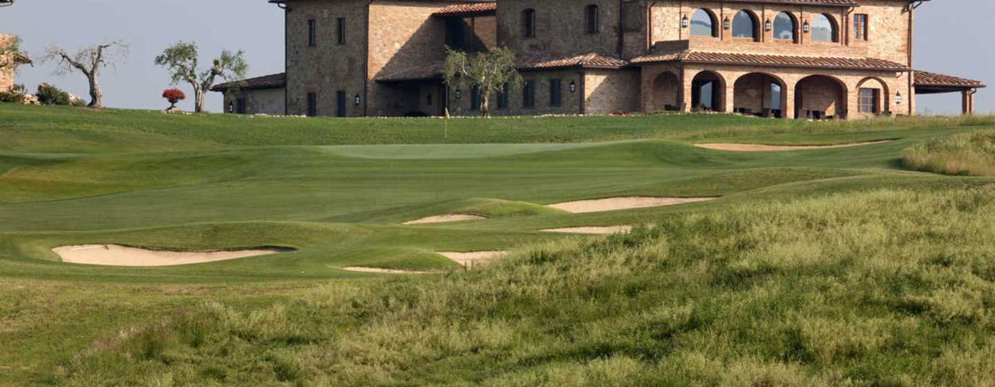 La Bagnaia Golf & Spa Resort Siena, Curio Collection by Hilton Hotel, Italien – Club House