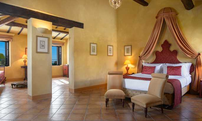 La Bagnaia Golf & Spa Resort Siena, Curio Collection by Hilton, Italien – Junior Suite La Bagnaia