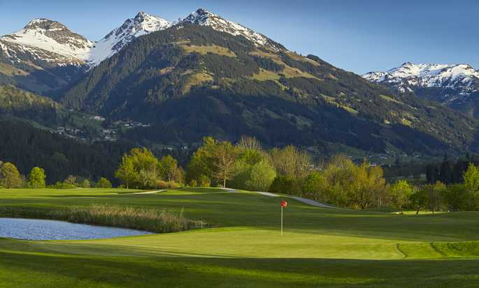 Grand Tirolia Hotel Kitzbühel, Curio Collection by Hilton, Österreich – Golfplatz