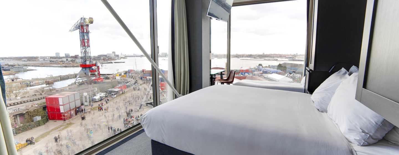 DoubleTree by Hilton Hotel Amsterdam– NDSM Wharf, Niederlande– Superior Zimmer mit Queen-Size-Bett