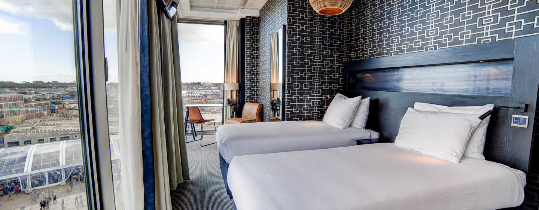 DoubleTree by Hilton Hotel Amsterdam– NDSM Wharf, Niederlande– Zweibettzimmer mit Ausblick