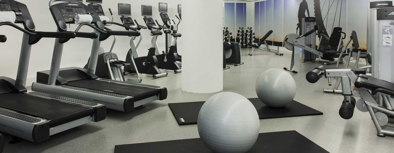 Im Fitnessraum des Hotels können Sie Ihrem Kraft- und Cardiotraining nachgehen