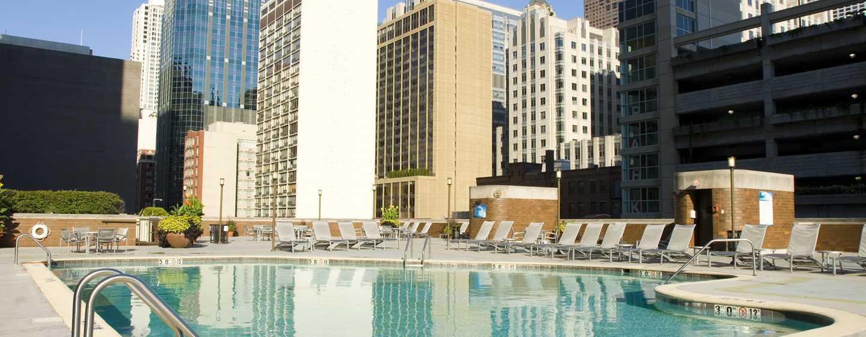 Doubletree Hotel Chicago Magnificent Mile, USA – Nahansicht des saisonalen Außenpools