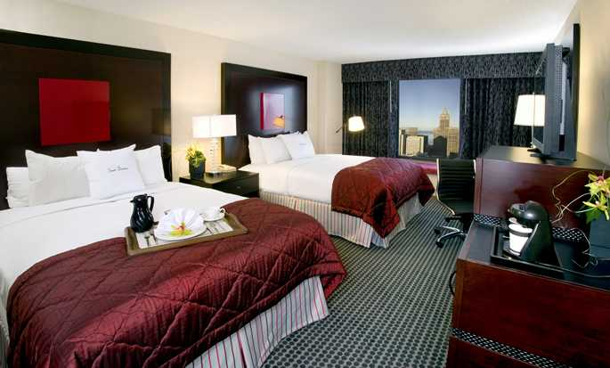 Doubletree Hotel Chicago Magnificent Mile, USA - Accessible Non-Smoking 2 Queens Room
