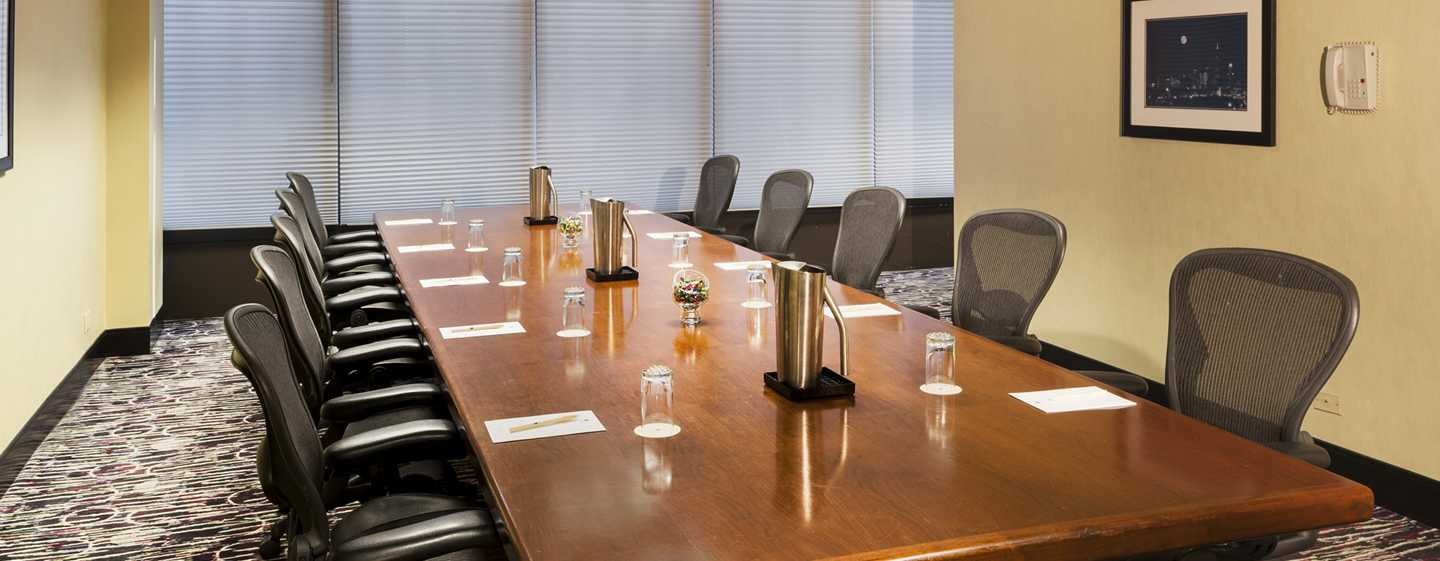 Doubletree Hotel Chicago Magnificent Mile, USA – Boardroom