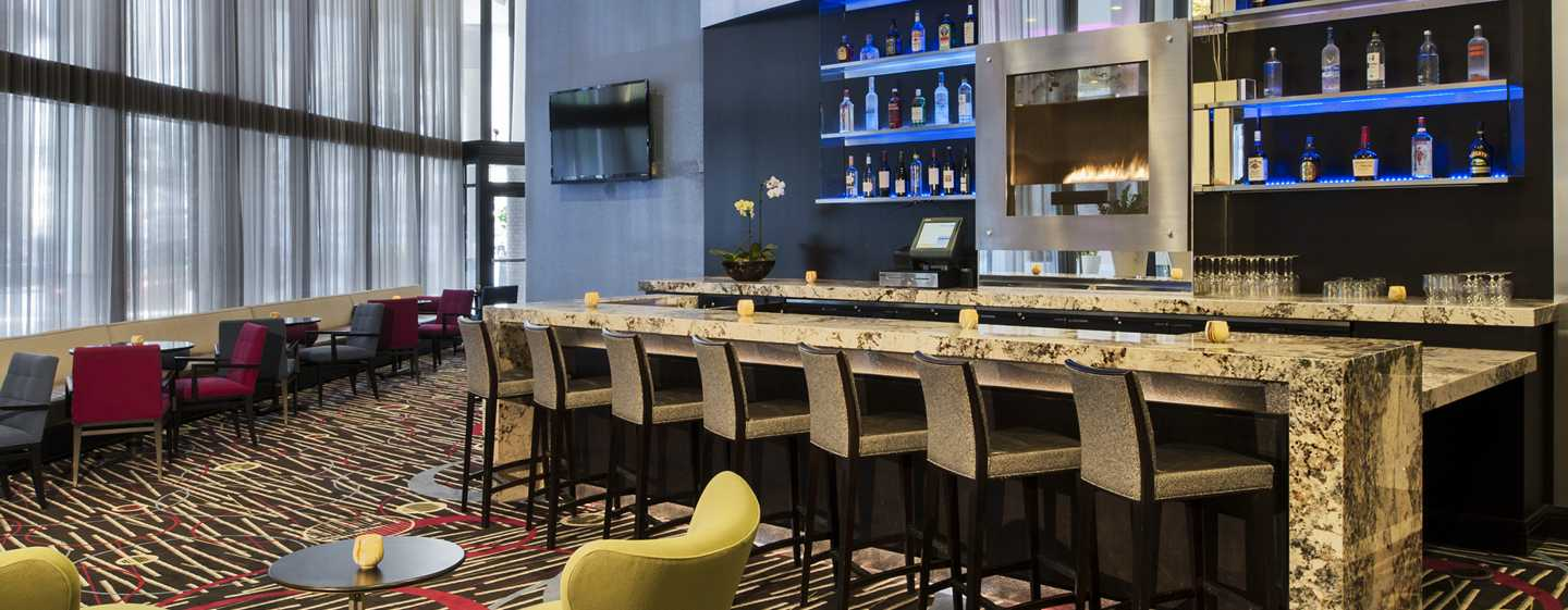Doubletree Hotel Chicago Magnificent Mile, USA – Lobby-Bar