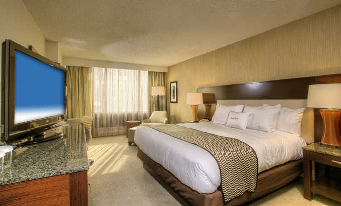 DoubleTree by Hilton Hotel Washington DC – Crystal City, USA – Deluxe Zimmer mit King-Size-Bett