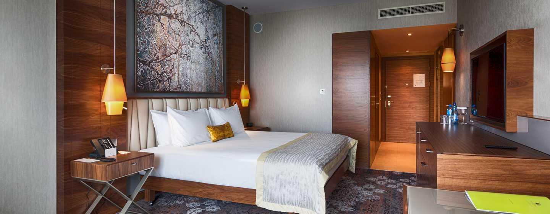 DoubleTree by Hilton Krakow Hotel &Convention Center, Polen – Zimmer mit King-Size-Bett