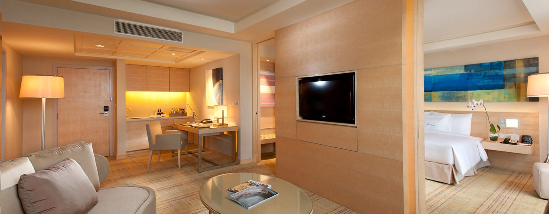 DoubleTree by Hilton Kuala, Malaysia– Executive Suite mit Kingsize-Bett