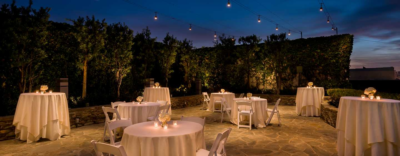 DoubleTree by Hilton Hotel Los Angeles Downtown, Vereinigte Staaten - Hochzeitszeremonie am Abend und im Freien