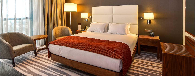 DoubleTree by Hilton Hotel Lodz, Polen– Zimmer mit King-Size-Bett