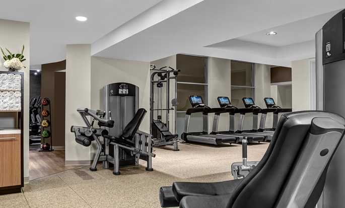 DoubleTree Suites by Hilton Hotel New York City - Fitness Center