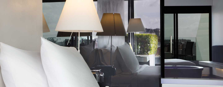 DoubleTree by Hilton Hotel Lisbon– Fontana Park, Portugal– Zimmer mit King-Size-Bett