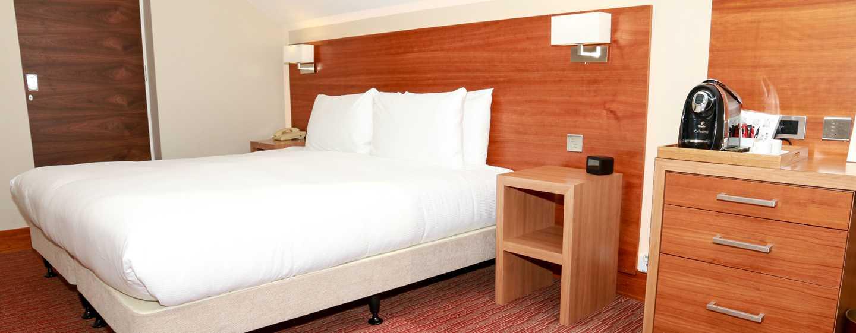DoubleTree by Hilton London - Kensington Hotel, Großbritannien – Bett einer Suite