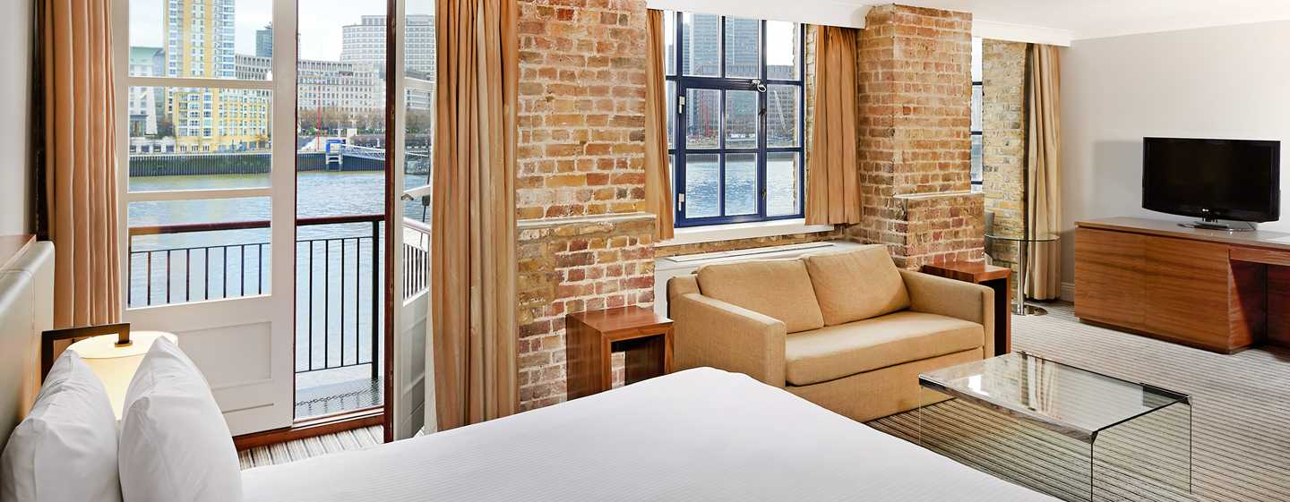 DoubleTree by Hilton Hotel London - Docklands Riverside, Großbritannien -Junior Suite mit King-Size-Bett
