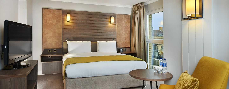 DoubleTree by Hilton Hotel London - Docklands Riverside, Großbritannien -Zimmer mit King-Size-Bett