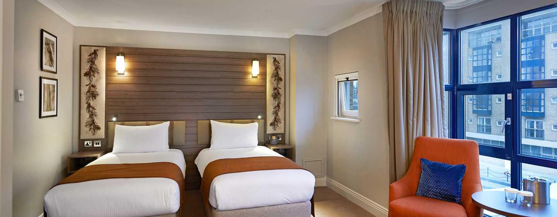 DoubleTree by Hilton Hotel London - Docklands Riverside, Großbritannien -Superior Zweibettzimmer