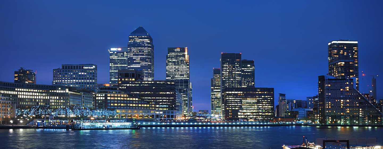 DoubleTree by Hilton Hotel London - Docklands Riverside, Großbritannien -Außenbereich des Hotels mit Blick auf London