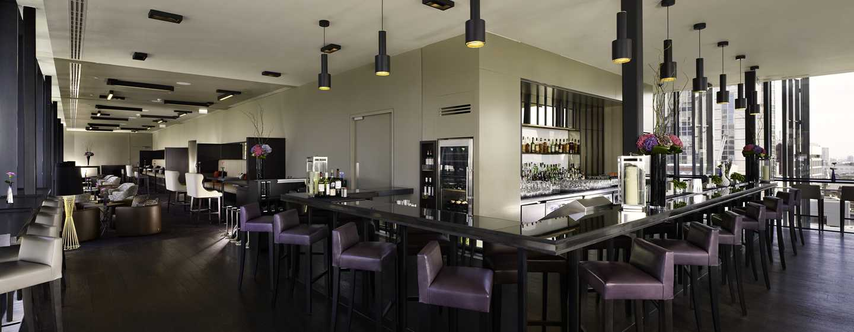DoubleTree by Hilton Hotel London – Tower of London, Großbritannien – Terrasse der SkyLounge Bar