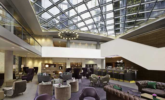 DoubleTree by Hilton Hotel London – Tower of London, Großbritannien – Lobby-Bar