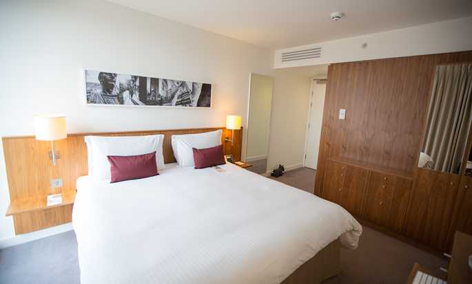 DoubleTree by Hilton Hotel London – Tower of London, Großbritannien – Zimmer mit King-Size-Bett