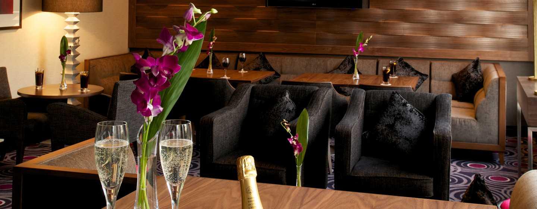 Das romantische Ambiente der 2 Bridge Place Lounge Bar wird Sie begeistern