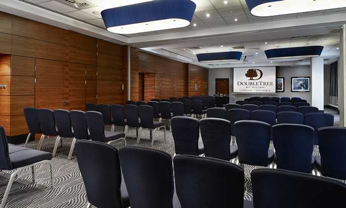 DoubleTree by Hilton Hotel London - Victoria, UK - Gallery Suite - Theatre
