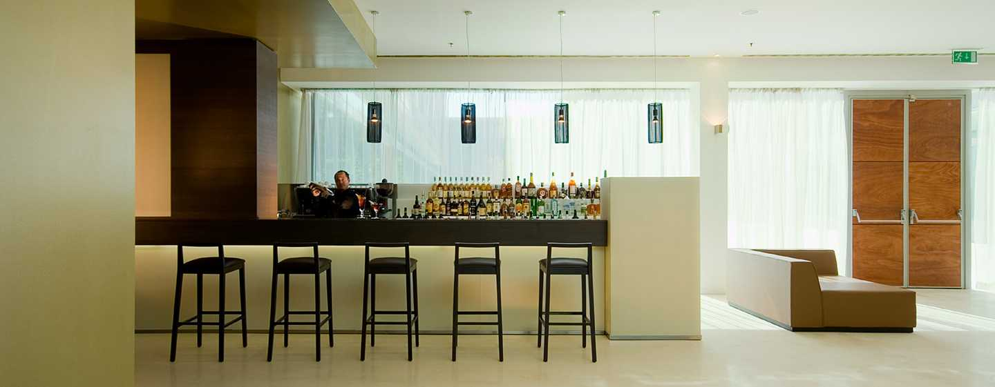 "DoubleTree by Hilton Milan Hotel – Bar ""Glass"""