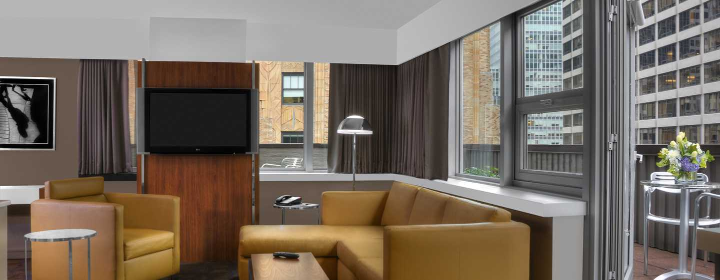 Hotel DoubleTree by Hilton Metropolitan – New York City, NY – Wohnbereich der Suite