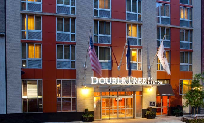 DoubleTree by Hilton Hotel New York - Hotel Exterior