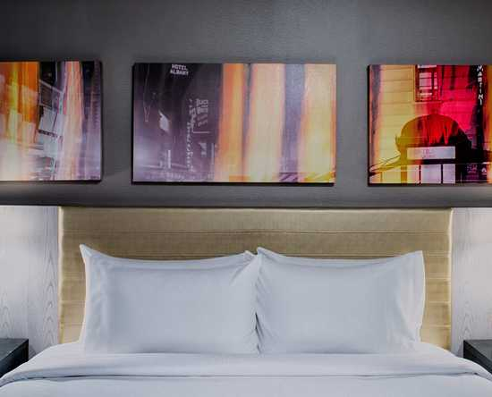 DoubleTree by Hilton Hotel New York Times Square West, New York – Standard Zimmer mit einem Kingsize-Bett