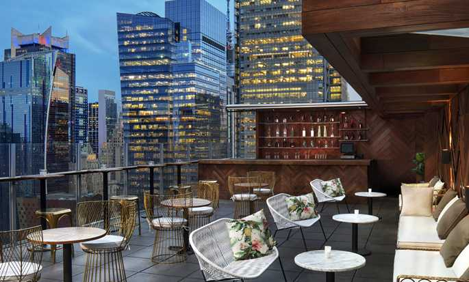 DoubleTree by Hilton Hotel New York Times Square West, New York – Ausblick von der Dachterrasse
