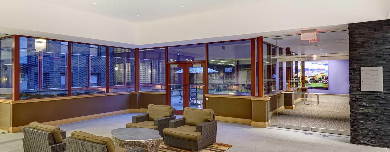 DoubleTree by Hilton Hotel Philadelphia Center City, Pennsylvania, USA– Lobby der Suites on 5