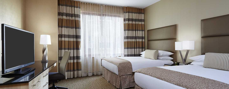 DoubleTree by Hilton Hotel Philadelphia Center City, Pennsylvania, USA– Suite mit zwei Queen-Size-Betten
