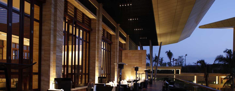 DoubleTree Resort by Hilton Hotel Sanya Haitang Bay, China– T-Lounge