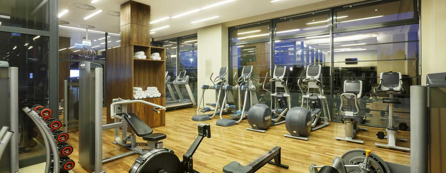 DoubleTree by Hilton Hotel& Conference Centre Warsaw, Polen – Fitness Center