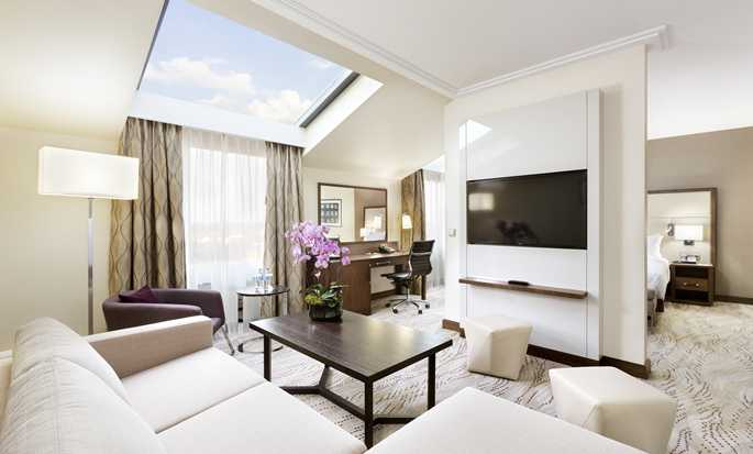 DoubleTree by Hilton Hotel & Conference Centre Warsaw, Poland - King Deluxe Suite with Lounge Access