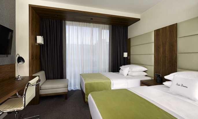 DoubleTree by Hilton Hotel Zagreb, Croatia - Guest Room with Twin Beds